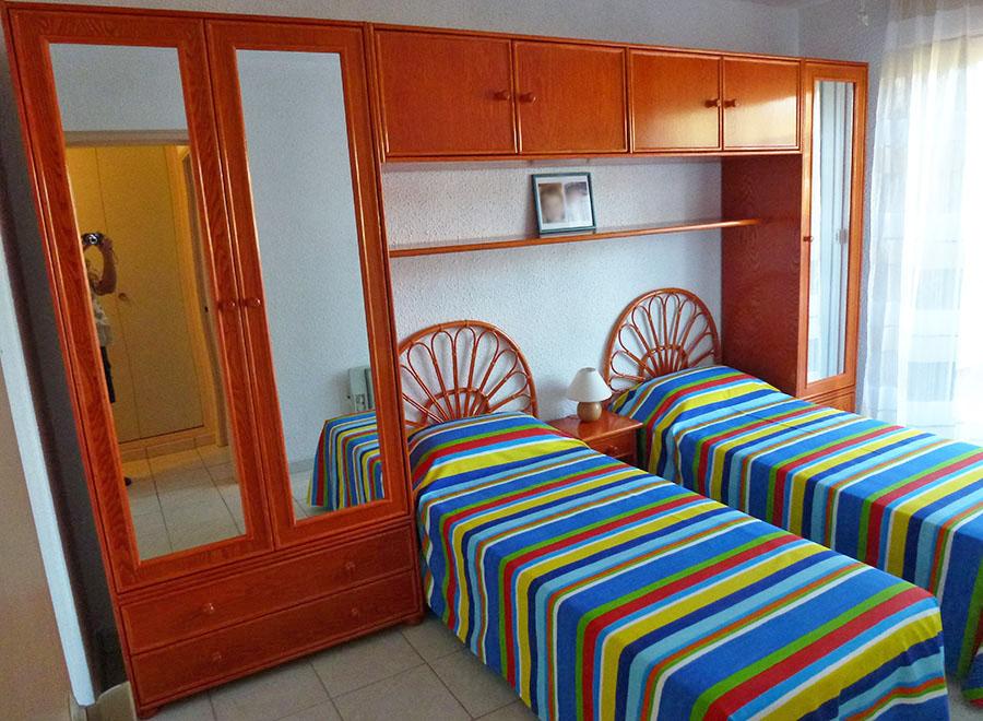 v s ameublement meuble en rotin au cap d 39 agde dans l 39 herault. Black Bedroom Furniture Sets. Home Design Ideas